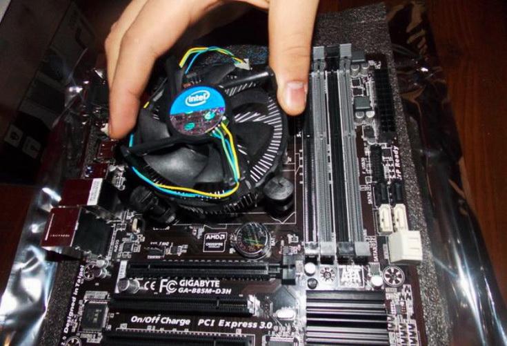 Установка системы охлаждения процессора